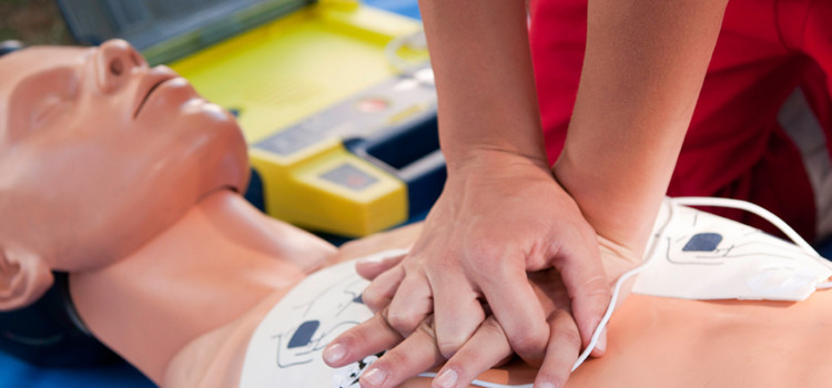 Emergency First Aid at Work training delivered directly in your workplace anywhere across North Wales